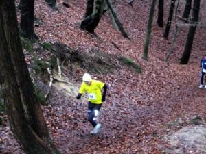 Karl Wolfgang Baumgarten vom 100 Marathon-Club beim Anstieg in der Wolfsschlucht.